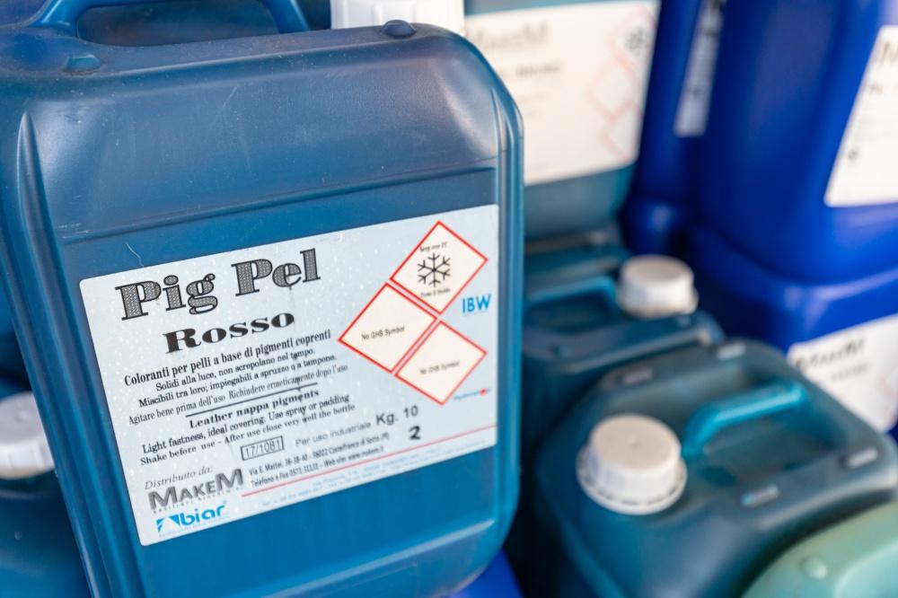 realizzazione prodotti chimici per pellame
